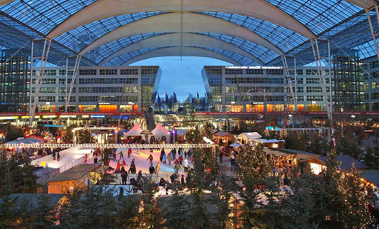 München Kerstmarkt Vlieghaven Schaatsbaan