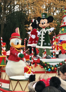 De kerstmarkt in Disneyland Paris is open