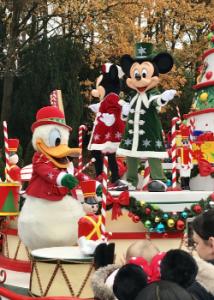 De kerstmarkt in Disneyland Paris is open