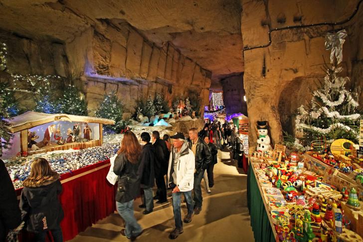kerstmarkt-grotten-valkenburg