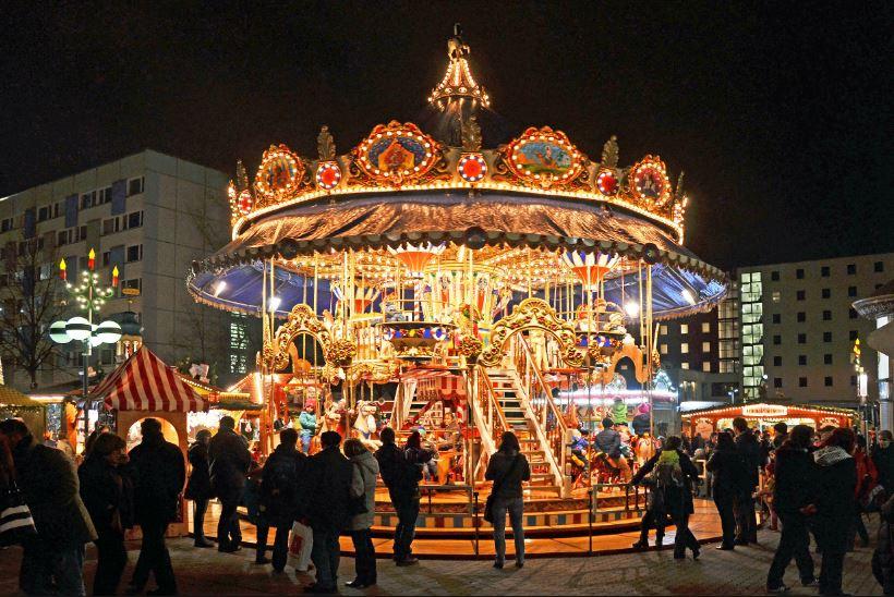 leipzig kerstmarkt carrousel